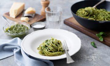Hemgjord-spaghetti-pesto